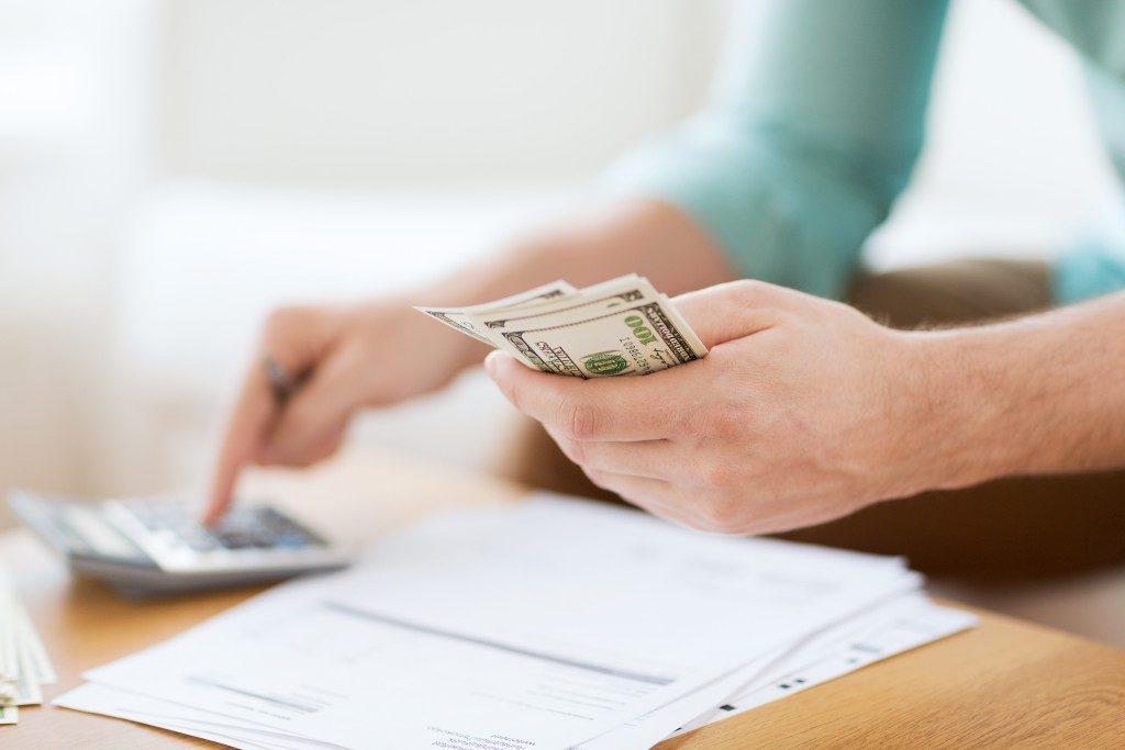 Calculating money bills