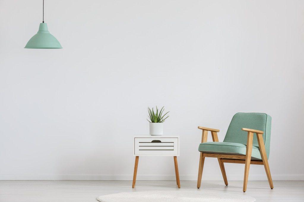 living room wirh minimal furniture